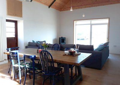 Kitchen:Lounge